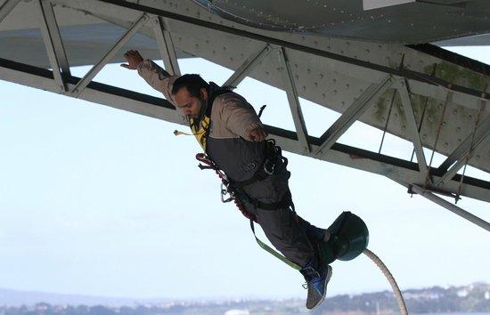 Auckland Bridge Bungy - AJ Hackett Bungy : Here u go Scariest position