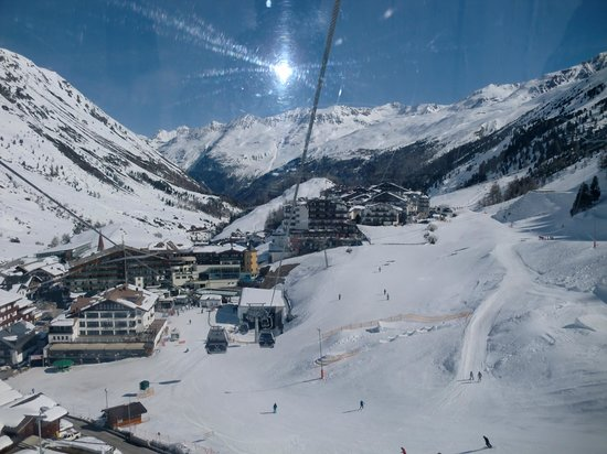 Hotel Madeleine: View from main gondola