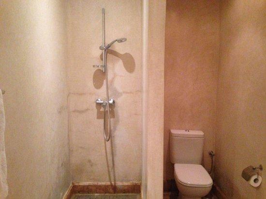 Riad Al Rimal: Salle de bain Opale