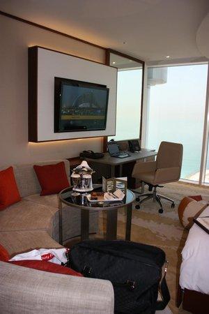 Jumeirah Beach Hotel: Refurbished room