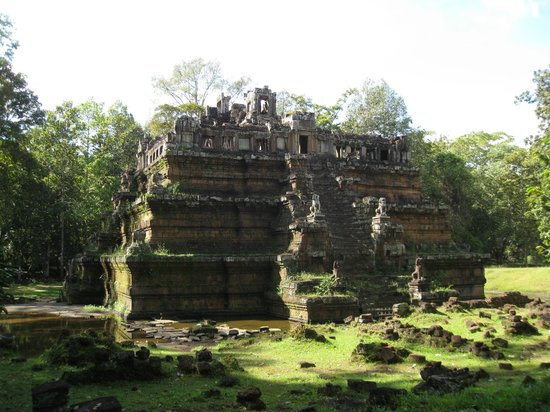 Phimeanakas - Picture of Angkor Archaeological Park, Siem ...