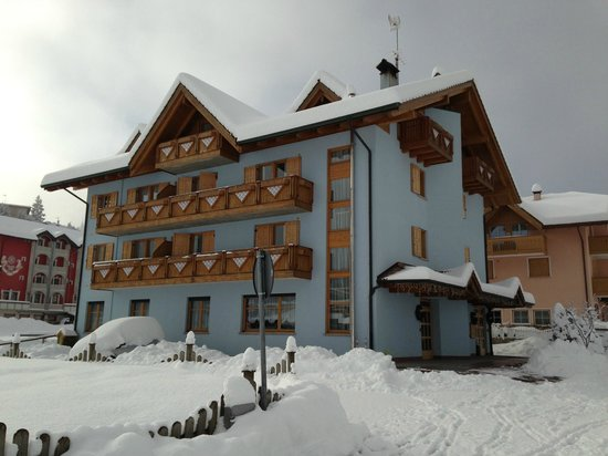 Hotel Garni Fiordaliso: Inverno - Esterno