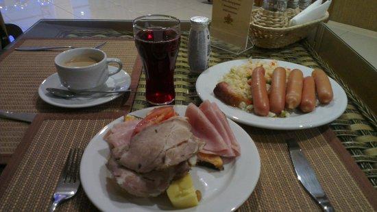 Richmond Hotel : Завтрак