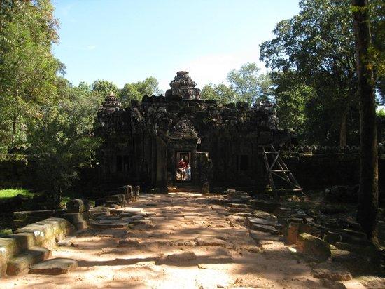 Ta Som Temple Entrance