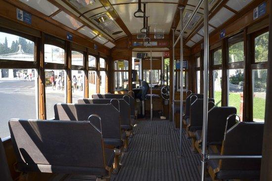 Tram 28: интерьер