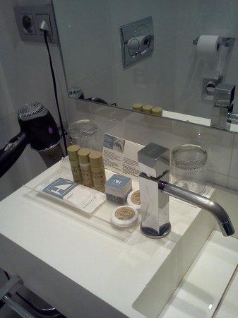 Eurostars Panorama Hotel: baño
