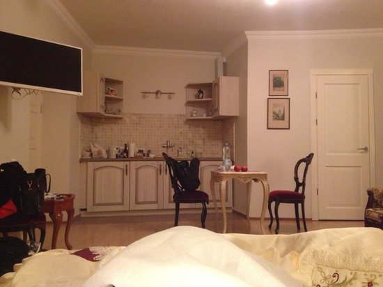Skapo Apartments : Неудобная мебель