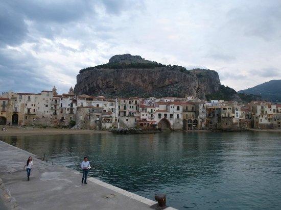La Rocca : View of The Rock