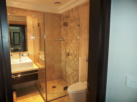 Urban Chic Boutique Hotel: Bathroom