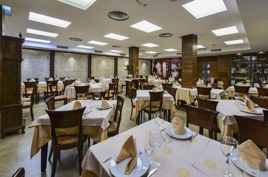 La Peseta Restaurante Hotel: Vista del comedor principal