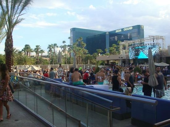 MGM Grand Hotel and Casino: Wet Republic