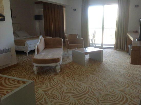 Hotel Egge : konforlu,geniş odalar..