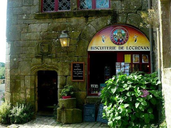 Centre Historique de Locronan: Locronan: Francia: negozio di biscotti