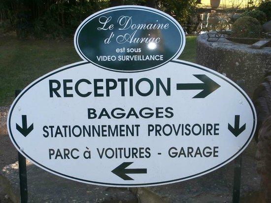 Le Domaine d'Auriac : Hotel sign