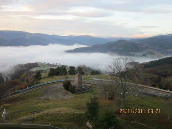 Hotel Restaurant Panorama : Vue sur la vallée de Munster vers 9h du matin