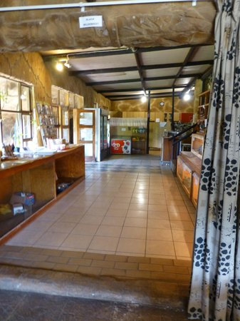 African Dawn Bird and Wildlife Sanctuary: Entrance area