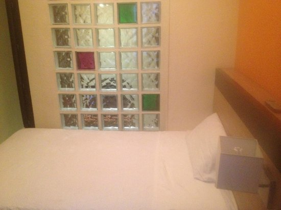 Hostal Ballesta: Room 308 Single Bed