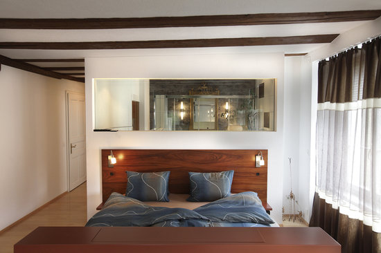 Hotel Krone: Age quod agis