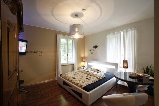 Hotel Krone: In medias res Doppelzimmer