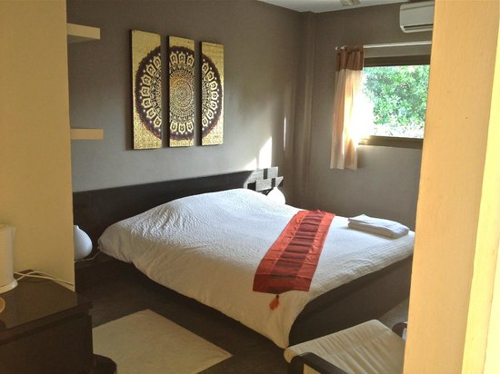 Infinity Guesthouse: Double Bed Air Co