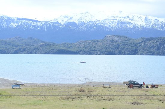 Hosteria Costanera: vista al lago general carrera