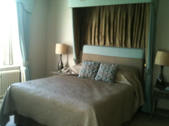 Statham Lodge Country House Hotel : The White Lady Suite