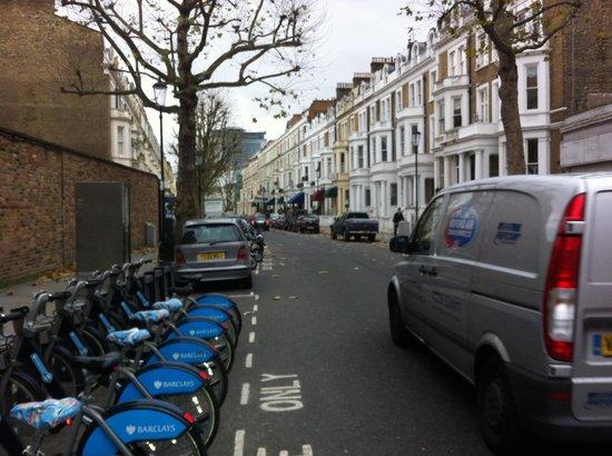 BEST WESTERN The Boltons : Bike self service rent on same street