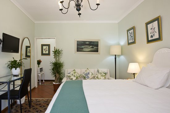 Tiana Guest House: Jade Room