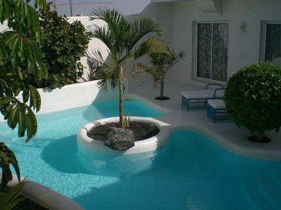 Katis Villas Boutique Fuerteventura: Piscina aquecida