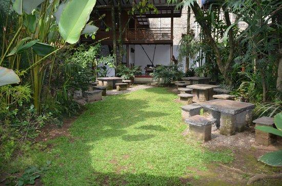 Rumah Ebo: garden
