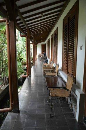 Rumah Ebo : hallway
