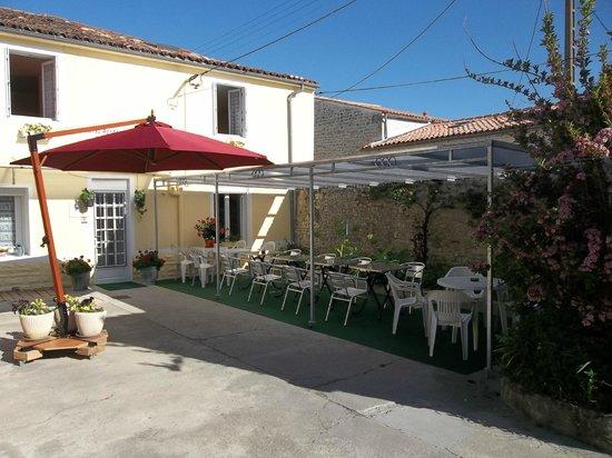 Hotel Restaurant Gambetta : Terrasse de l'hôtel