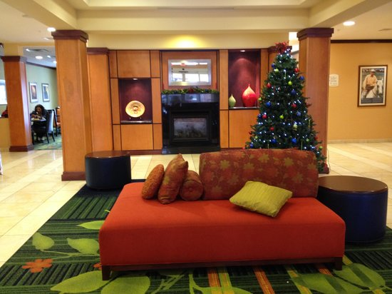 Fairfield Inn & Suites Muskogee: Lobby