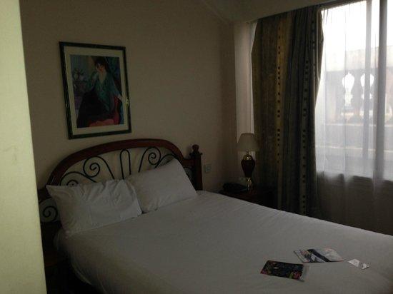 Britannia Manchester Hotel: The bed
