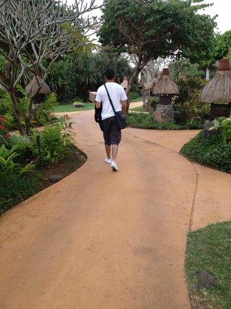 The Oberoi, Mauritius : The Paths within the oberoi