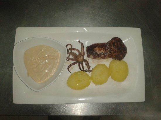 Hotel del Mar: Calamar a la plancha con mayonesa de especies