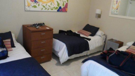 Zentra Hotel: 3 people room