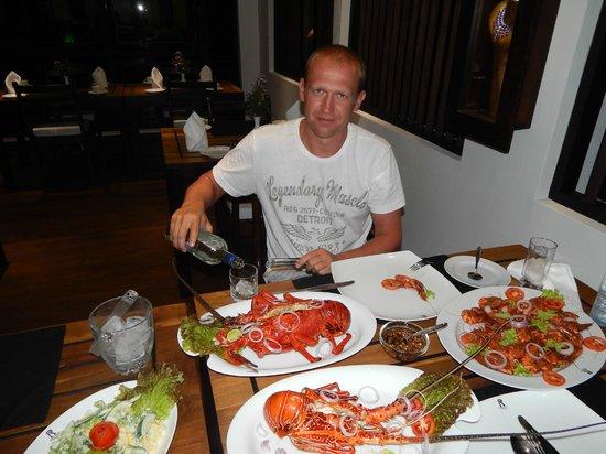 Ridee Villa: ужин