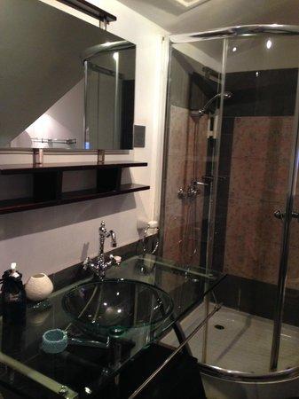 Le Pavillon de l'Emyrne: salle de bains
