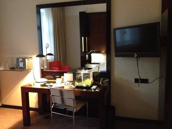 Maximilian Hotel: Room 304