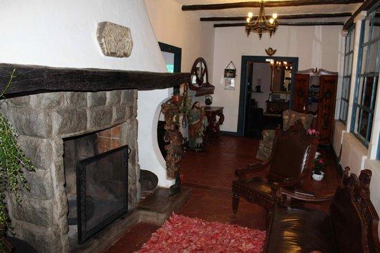 Casa de hacienda Su Merced: Main B&B entrance with historic fireplace