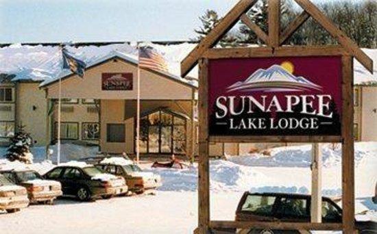 Sunapee Lake Lodge: Exterior