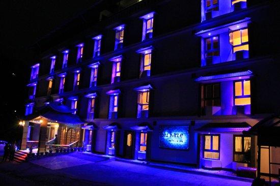 Blu Haze Resort & Spa : Pitch dark and blu haze