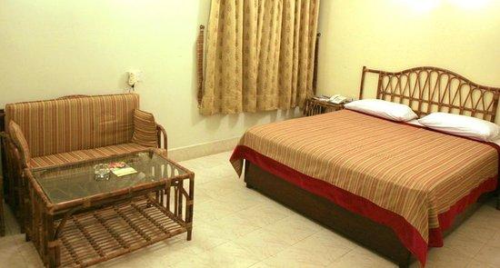 Herfa Inn: master room