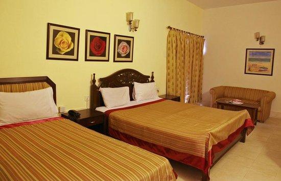 Herfa Inn Hotel: triple sharing room