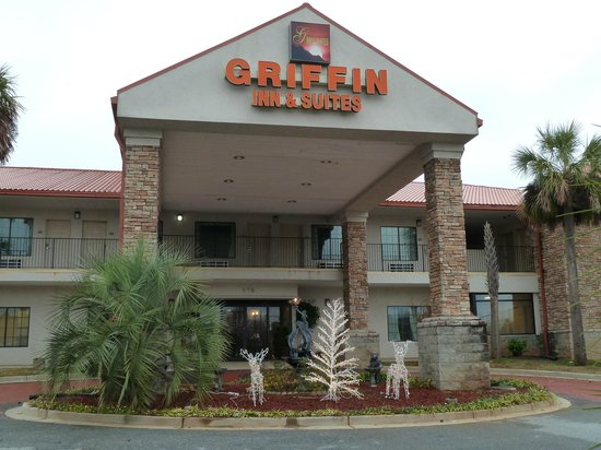 Americas Best Value Inn & Suites - Griffin : Front of hotel