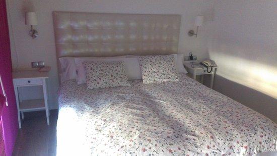 El Caserio: camaS