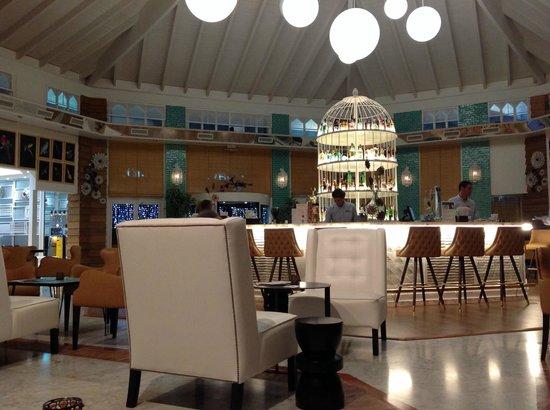 SENTIDO H10 Playa Esmeralda: Hall Hotel