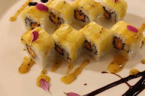 Gen Restaurant: mango roll samba