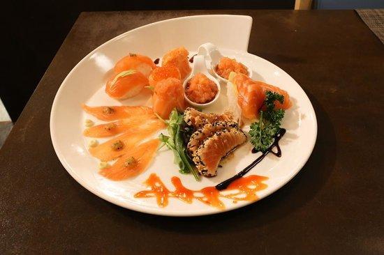 Gen Restaurant: salmon mix